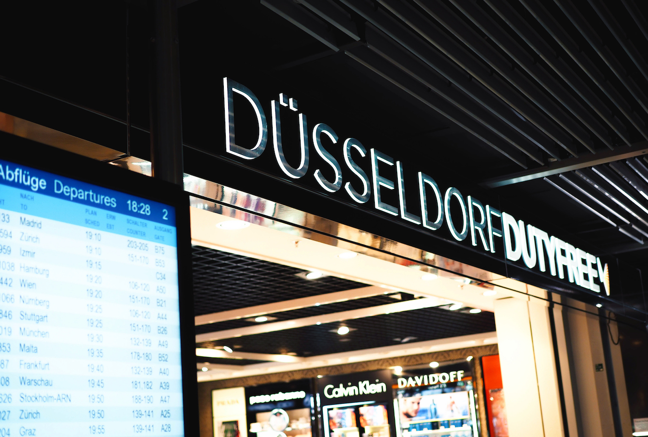 world duty free düsseldorf airport mutter tag