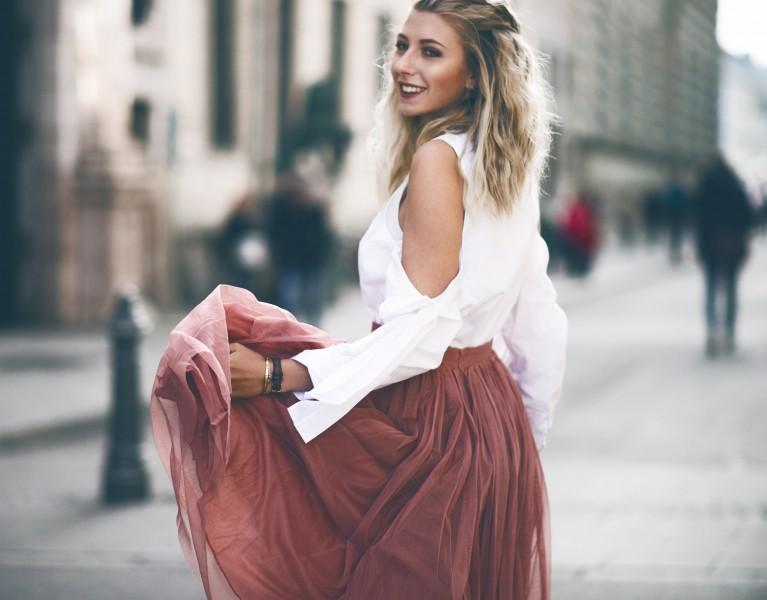 carrie Bradshaw tüllrock bluse fashion blog münchen
