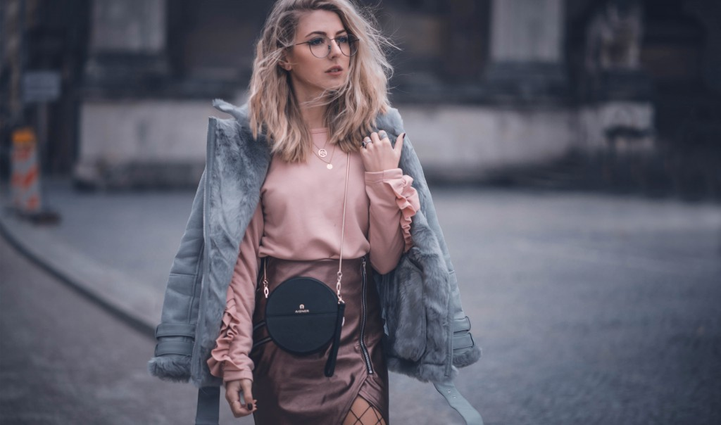 netzstrumpfhose aigner Tonia raschen Pullover Lammfell jacke fashion  blog münchen
