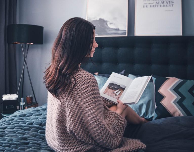 Schlafzimmer Inspirationen grau boxspringsbett ikea desenio bilder lifestyle blog münchen