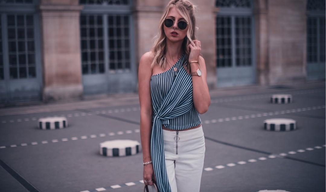 colonnes de buren palais royal paris outfit aigner lexi bag
