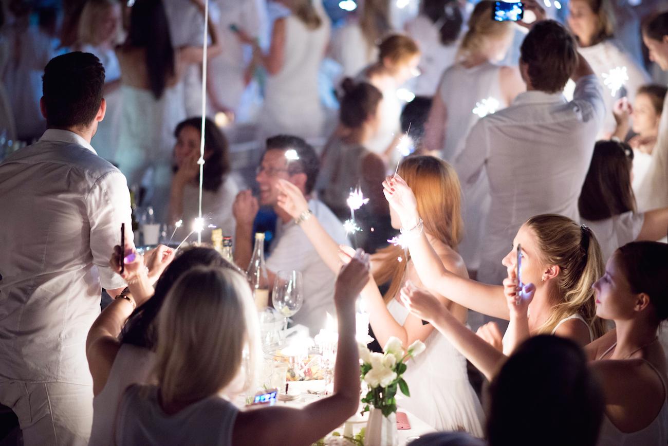 diner en blanc münchen 2015 neptunbrunnen alter botanischer garten fashionblog münchen